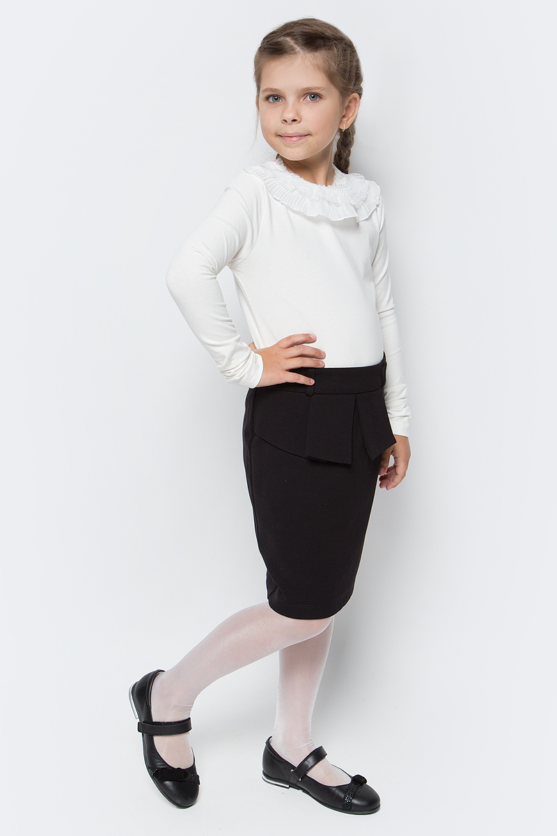 Блузка для девочки Free Age, цвет: молочный. ZG 28075-V2. Размер 122, 6 летZG 28075-V2Блузка для девочки Free Age выполнена из хлопка с добавлением эластана. Модель с длинными рукавами и круглым вырезом горловины оформлена кружевной оборкой по линии ворота. Такая блузка прекрасно дополнит школьный гардероб вашего ребенка.