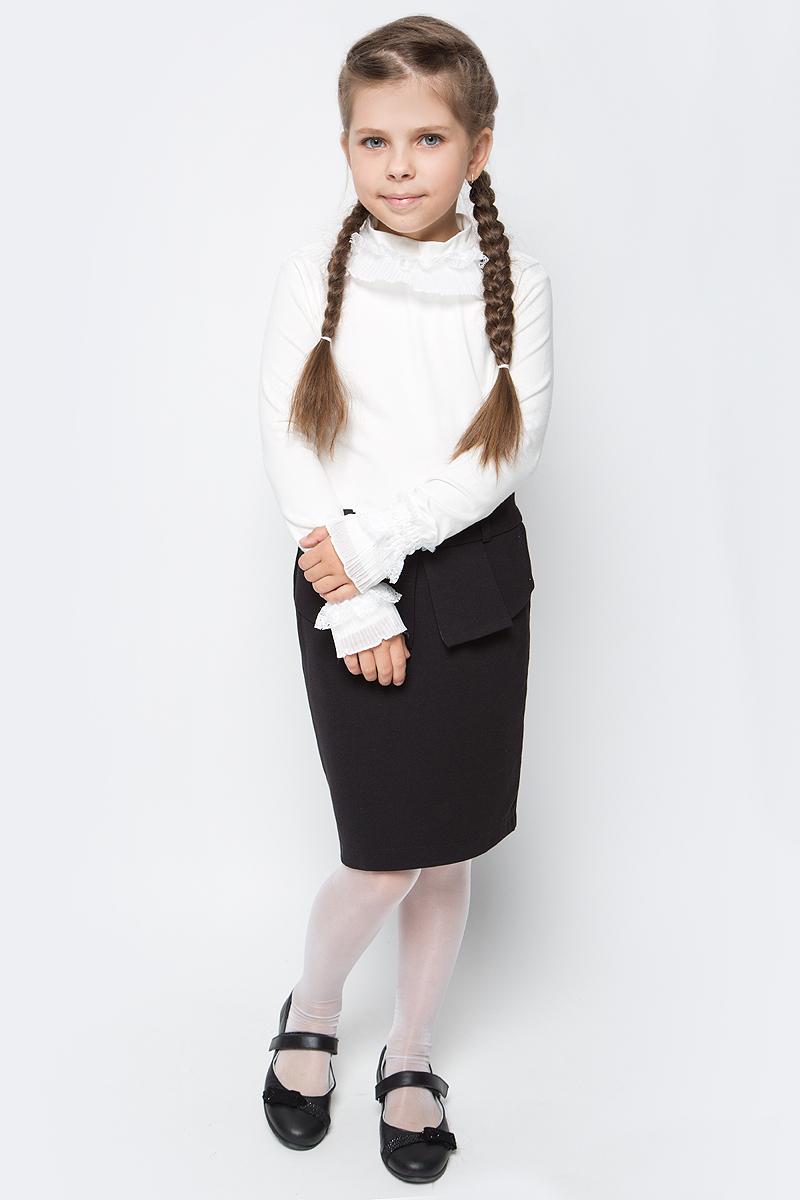 Блузка для девочки Free Age, цвет: молочный. ZG 28073-V2. Размер 122, 6 летZG 28073-V2Школьная блузка для девочки от Free Age выполнена из эластичного хлопкового трикотажа. Модель с длинными рукавами и небольшим воротником-стойкой. Горловина и манжеты рукавов оформлены кружевными оборками.