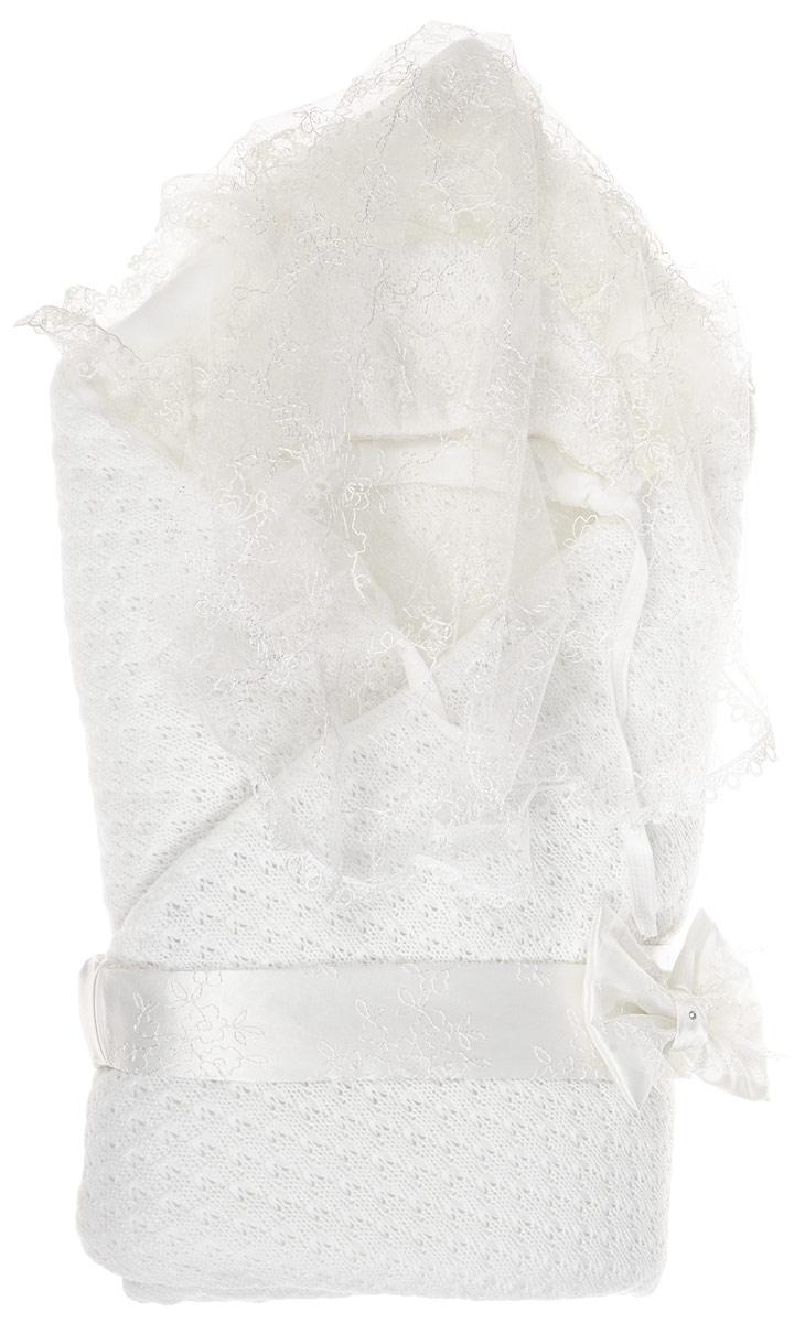Конверт-одеяло на выписку Сонный гномик Жемчужинка, цвет: молочный. 1709. Возраст 0/9 месяцев1709Конверт-одеяло Сонный гномик Жемчужинка прекрасно подойдет для выписки новорожденного из роддома. В дальнейшем его можно использовать во время прогулок с малышом в коляске-люльке или в качестве удобного коврика для пеленания. Конверт изготовлен из 100% акрила на хлопковой подкладке. В качестве утеплителя используется шелтер (100% полиэстер). Шелтер (Shelter) - утеплитель нового поколения с тонкими волокнами. Его более мягкие ячейки лучше удерживают воздух, эффективнее сохраняя тепло. Более частые связи между волокнами делают утеплитель прочным и позволяют сохранить его свойства даже после многократных стирок. Утеплитель шелтер максимально защищает от холода и не стесняет движений. Конверт-одеяло складывается и фиксируется на липучку. Верхняя часть конверта украшена вуалью с ажурной вышивкой. Вуаль пристегивается с помощью липучек. Также в комплект входит очаровательный акриловый чепчик на хлопковой подкладке, украшенный оборкой из вуали и атласный эластичный поясок на липучке, украшенный декоративным бантиком. Оригинальный конверт на выписку порадует взгляд родителей и прохожих.