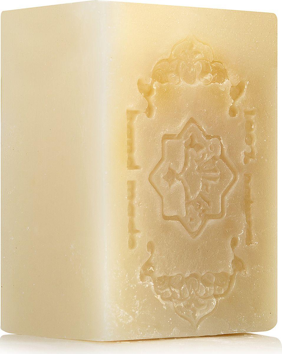 Зейтун Мыло Экстра №4 для укрепления корней волос, 150 гZ1104Уникальная традиционная формула алеппского мыла, порой, превосходит любой шампунь своей способностью сочетать глубокое очищение, укрепление корней и питание волос по всей длине.Алеппское мыло экстра Зейтун №4 Укрепление корней волос – это концентрат пользы натуральных масел – оливкового, кокосового и, особенно, касторового, – которые в омыленном и чистом виде дарят волосам настоящую здоровую свежесть, наделяют их природной силой и активизируют здоровый рост.Омыленные масла прекрасно пенятся, легко смываются и полностью исключают стянутость кожи и жесткость волос. В комплексе с эфирными маслами шалфея мускатного, розмарина и лимона мыльная основа обеспечивает мощное укрепление волосяных фолликулов и дарит локонам живой объем и блеск.Компоненты:Касторовое маслоЭфирное масло шалфея мускатногоЭфирное масло розмаринаЭфирное масло лимонаКомплекс омыленных масел (оливковое, кокосовое, касторовое)