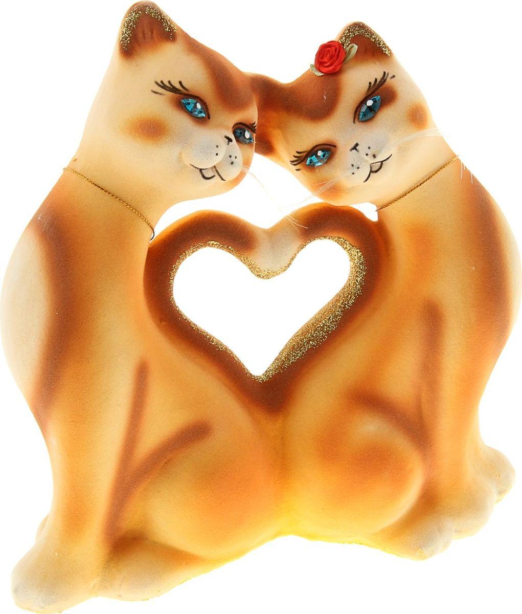 Копилка Керамика ручной работы Кошки, 10 х 25 х 20 см1004048Помните, как порой бывают необходимы не очень большие средства на какое-то нужное и важное дело, но они отсутствуют? Забудьте. В тот момент у вас не было копилки, которая помогла бы в сбережении денег.Изделие в виде котов поспособствует изгнанию злых духов из дома и защищает от сглаза. Кот символизирует домашний уют, тепло семейных отношений, психологический и эмоциональный комфорт.Обращаем ваше внимание, что копилка является одноразовой.