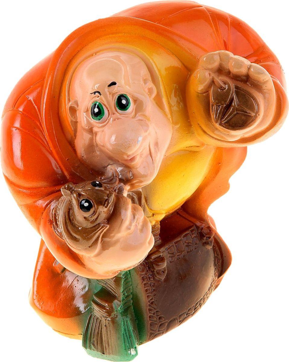 Копилка Новый русский с золотой рыбкой, 10 х 17 х 19 см1016647Копилка — универсальный вариант подарка любому человеку, ведь каждый из нас мечтает о какой-то дорогостоящей вещи и откладывает или собирается откладывать деньги на её приобретение. Вместительная копилка станет прекрасным хранителем сбережений и украшением интерьера. Она выглядит так ярко и эффектно, что проходя мимо, обязательно захочется забросить пару монет.