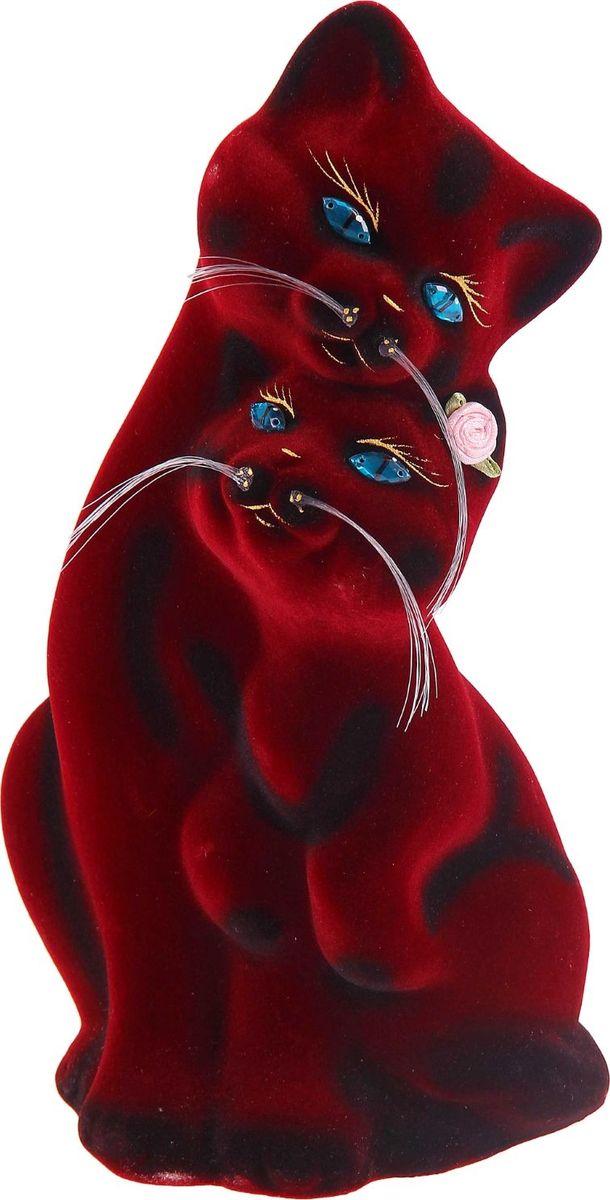 Копилка Керамика ручной работы Пара, 12 х 13 х 29 см1075674Помните, как порой бывают необходимы не очень большие средства на какое-то нужное и важное дело, но они отсутствуют? Забудьте. В тот момент у вас не было копилки, которая помогла бы в сбережении денег.Изделие в виде котов поспособствует изгнанию злых духов из дома и защищает от сглаза. Кот символизирует домашний уют, тепло семейных отношений, психологический и эмоциональный комфорт.Обращаем ваше внимание, что копилка является одноразовой.