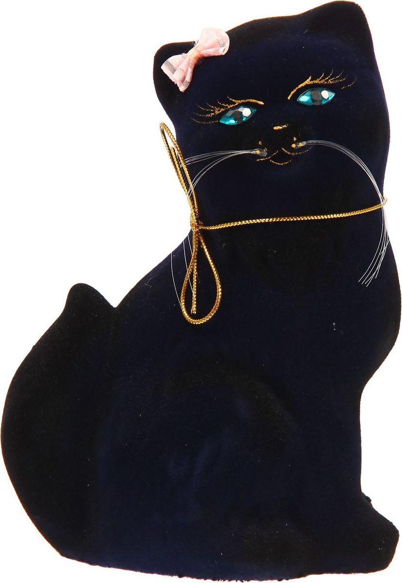 Копилка Керамика ручной работы Кошка Сима, 10 х 15 х 21 см1235163Женщины любят баловать себя покупками для красоты и здоровья. С помощью такой копилки можно незаметно приблизиться к приобретению желаемого. Образ кошки всегда олицетворял привлекательность и символизировал домашнее спокойствие. Поставьте изделие возле предметов роскоши, и оно будет способствовать их преумножению.Обращаем ваше внимание, что копилка является одноразовой.