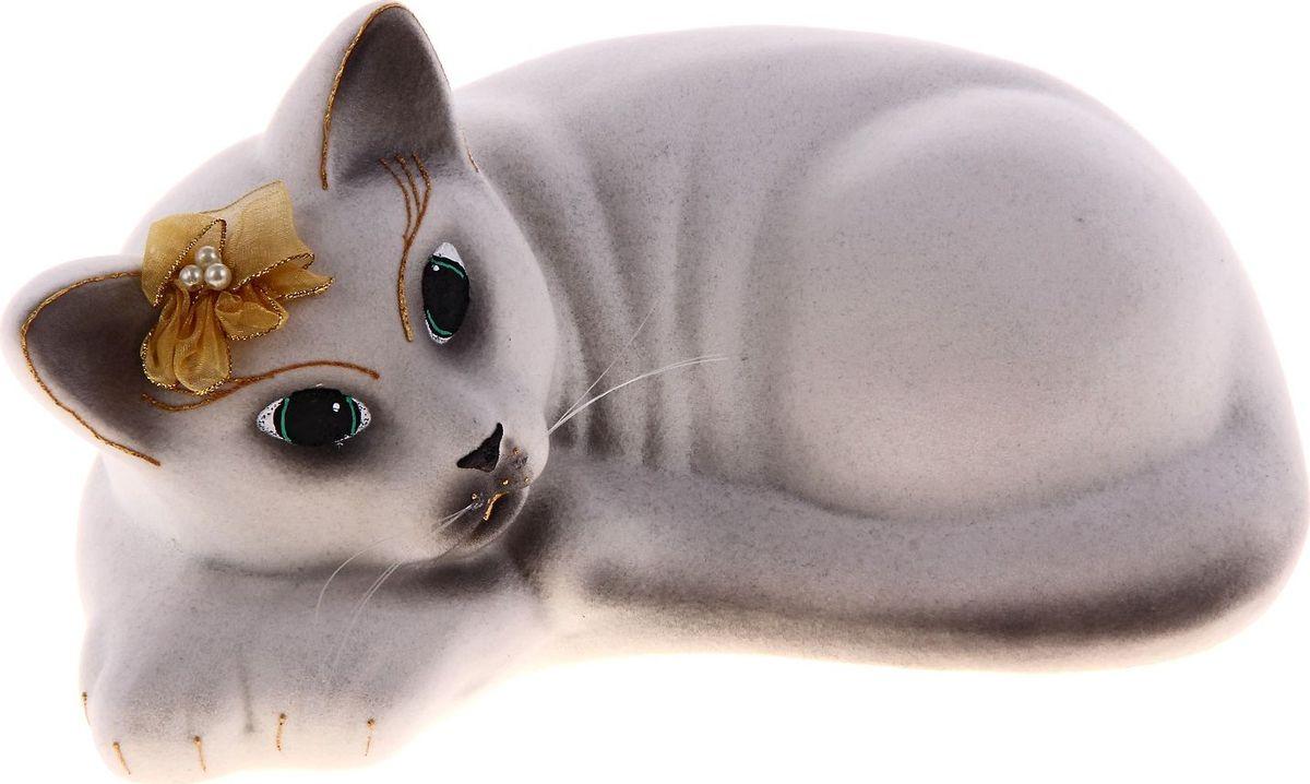 Копилка Керамика ручной работы Кошка Соня, 12 х 20 х 10 см185642Женщины любят баловать себя покупками для красоты и здоровья. С помощью такой копилки можно незаметно приблизиться к приобретению желаемого. Образ кошки всегда олицетворял привлекательность и символизировал домашнее спокойствие. Поставьте изделие возле предметов роскоши, и оно будет способствовать их преумножению.Обращаем ваше внимание, что копилка является одноразовой.