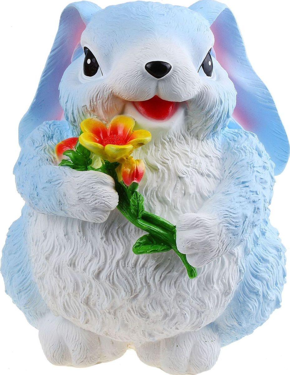 Копилка Кролик с цветком, 27 х 18 х 11 см658949Копилка — универсальный вариант подарка любому человеку, ведь каждый из нас мечтает о какой-то дорогостоящей вещи и откладывает или собирается откладывать деньги на её приобретение. Вместительная копилка станет прекрасным хранителем сбережений и украшением интерьера. Она выглядит так ярко и эффектно, что проходя мимо, обязательно захочется забросить пару монет.Обращаем ваше внимание, что копилка является одноразовой.
