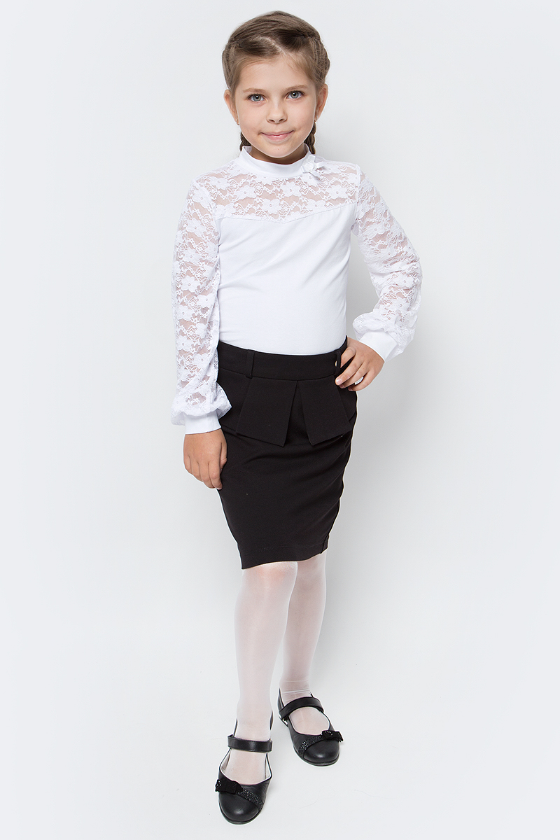 Блузка для девочки Nota Bene, цвет: белый. CJR27047A01. Размер 122CJR27047A01/CJR27047B01Блузка для девочки Nota Bene выполнена из хлопкового трикотажа в сочетании с гипюром. Модель с длинными рукавами и воротником-стойкой.