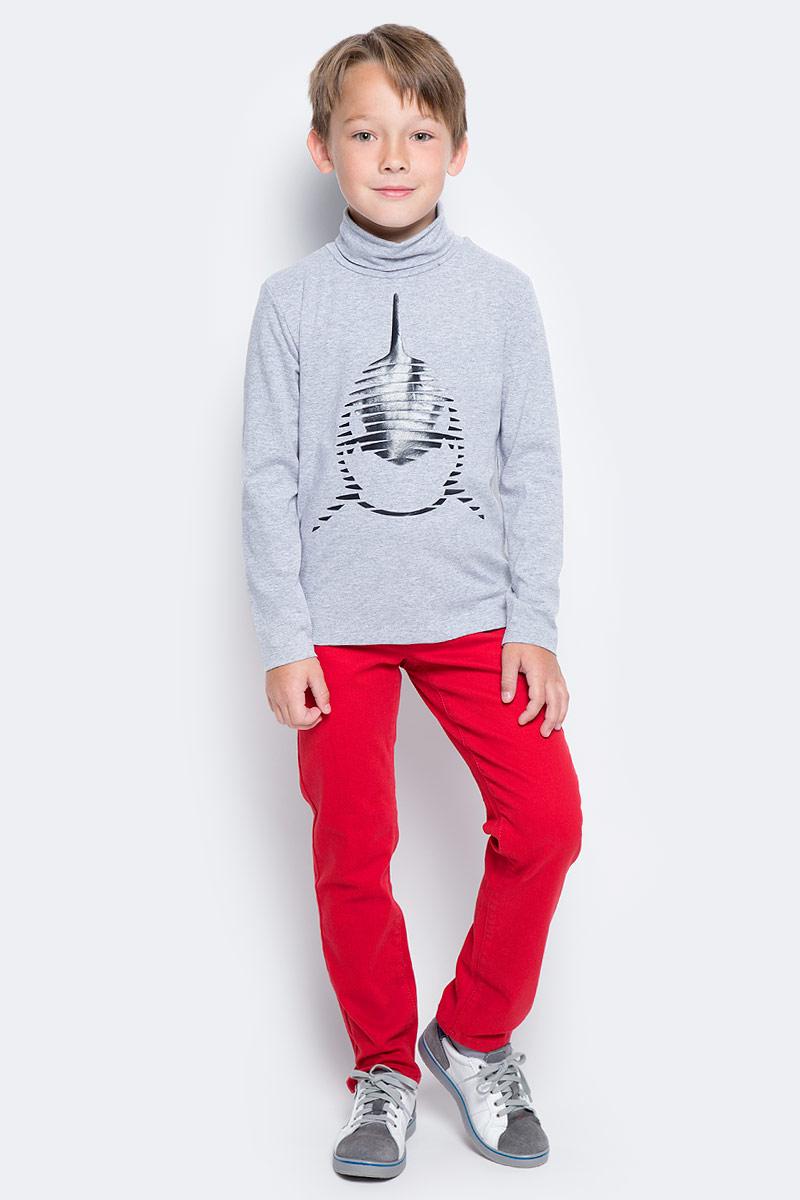 Водолазка для мальчика PlayToday, цвет: серый. 371119. Размер 98371119Водолазка PlayToday выполнена из эластичного хлопка. Модель с длинными рукавами и воротником-гольф имеет свободный крой, который не сковывает движений. Модель декорирована принтом.