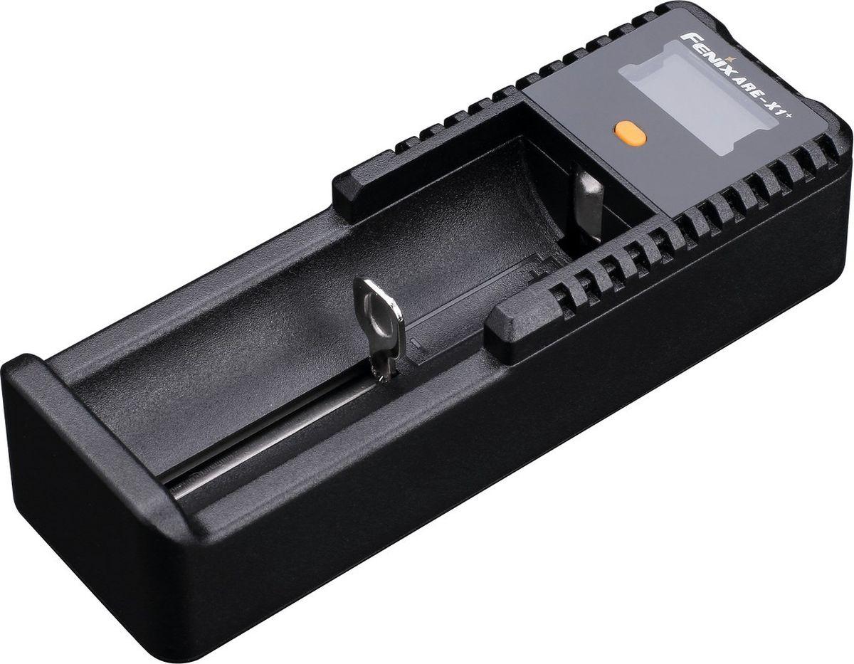 Зарядное устройство Fenix ARE-X1+ARE-X1plusОписание зарядного устройства Fenix ARE-X1+:Модель ARE-X1 + работает с большим количеством разновидностей аккумуляторов, а потому отлично подходит для путешествий. Ведь одно это устройство в состоянии заменить целый набор более специализированных моделей. ARE-X1 + хорошо подойдет для Li-ion и Ni-MH аккумуляторов, которые распространены наиболее широко. Можно его использовать и для менее популярной разновидности — Ni-Cd. Обширен и список допустимых размеров. В него входят самые часто используемые АА, ААА, 14500, 18650 (во многих фонарях) элементы питания, а также 10440, 26650, 16340, С.После установки выбранного элемента питания и подключения устройства для зарядки к питанию, оно самостоятельно определит, с каким типом аккумуляторов имеет дело. На экране ARE-X1 + будут отображены данные о напряжении, типе батареи и уровне заряда. В процессе зарядки пользователю также доступны сведения о напряжении, текущем состоянии и времени зарядки. Эти данные доступны поочередно при нажатии на кнопку, которая размещается ниже дисплея.Устройство ARE-X1 + относится к типу умных приборов для зарядки и оберегает элементы питания от перегревания и перезарядки. Кроме того, устройство защищено от возможных коротких замыканий и от неполадок, связанных с обратной полярностью аккумуляторов. Таким образом, ARE-X1 + в состоянии служить по-настоящему долго и обеспечить длительный период использования для аккумуляторов. Устройство способно работать при влажности до 90% и температуре до 55°С. Во время его хранения, температура окружающей среды может подниматься даже до 85°С.Особенности:универсальное зарядное устройство;возможность работы с элементами питания различных типоразмеров;подключается через кабель USB, который есть в комплекте;устройство оснащено дисплеем LCD;встроенная защита от несоблюдения полярности и коротких замыканий;устройство защищает аккумуляторы от перезаряда и нагревания;вес данной модели - 58 грамм;широкие пределы допустимых для ра