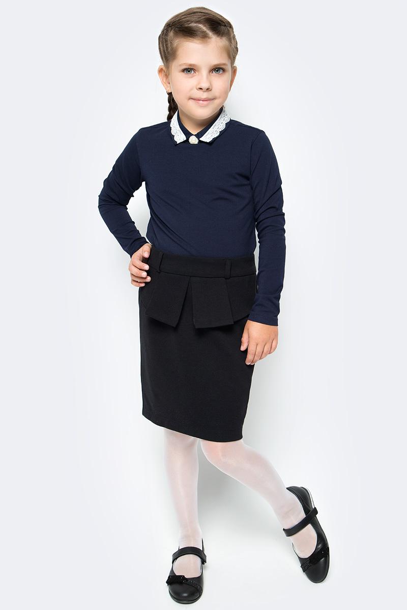 Блузка для девочки Vitacci, цвет: синий. 2173204-04. Размер 1282173204-04Школьная блузка для девочки от Vitacci выполнена из эластичного хлопкового трикотажа. Модель с длинными рукавами и отложным ажурным воротничком на спинке застегивается на пуговицы.