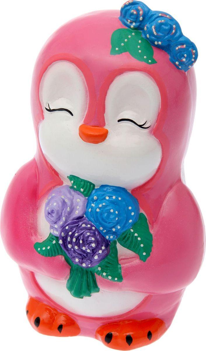 Копилка Керамика ручной работы Пингвиненок Ника, цвет: розовый, 13 х 15 х 26 см1492844Копилка для ребёнка поможет родителям в воспитательном процессе. Поощряйте чадо монетками за хорошие дела: уборку игрушек, выполнение заданий, выученное стихотворение. Предложите ему откладывать на то, а чём он так мечтает. Так малыш станет более ответственным, а процесс накопления денег превратится в игру. Изделие с забавным животным станет ярким украшением детской комнаты.Обращаем ваше внимание, что копилка является одноразовой.