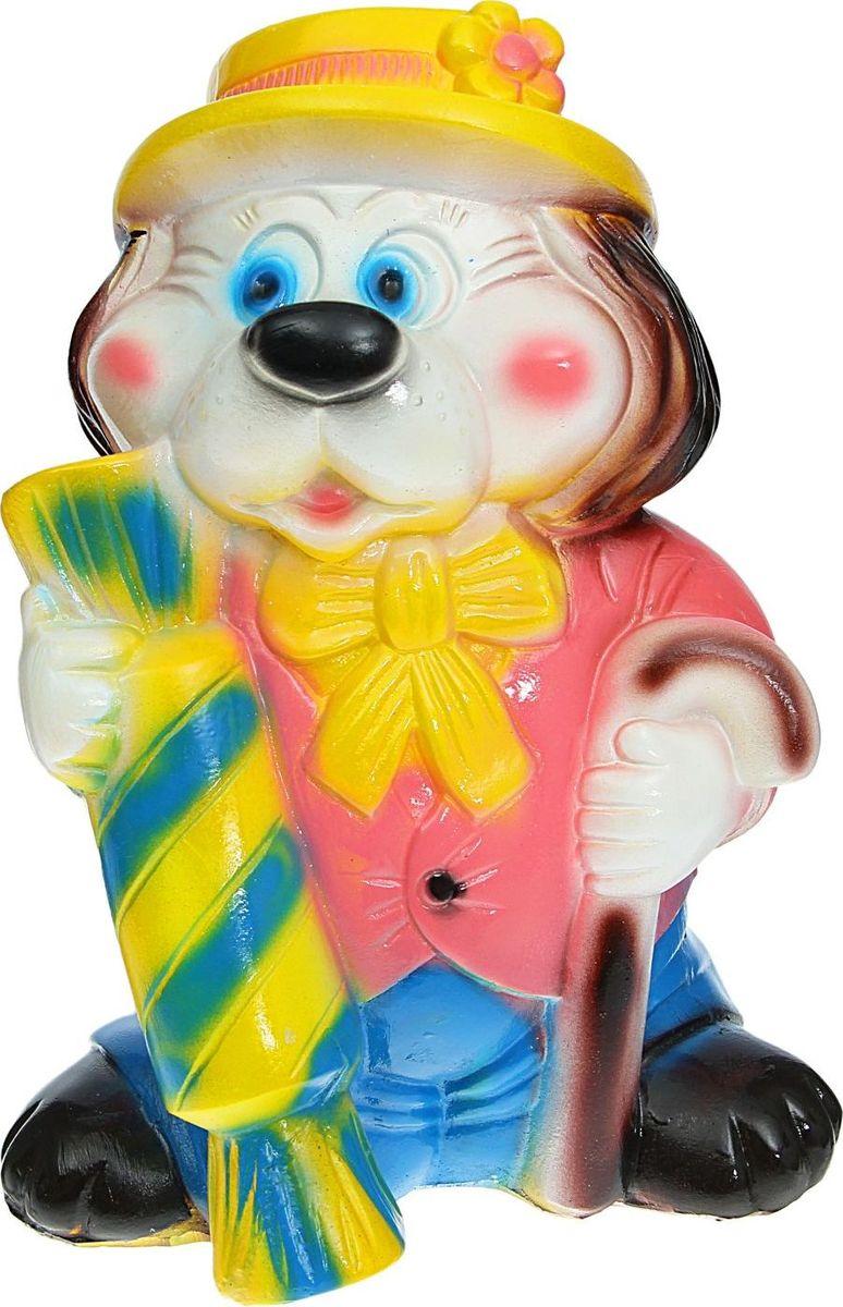 Копилка Собака с конфетой, 16 х 15 х 21 см435722Копилка — универсальный вариант подарка любому человеку, ведь каждый из нас мечтает о какой-то дорогостоящей вещи и откладывает или собирается откладывать деньги на её приобретение. Вместительная копилка станет прекрасным хранителем сбережений и украшением интерьера. Она выглядит так ярко и эффектно, что проходя мимо, обязательно захочется забросить пару монет.Обращаем ваше внимание, что копилка является одноразовой.