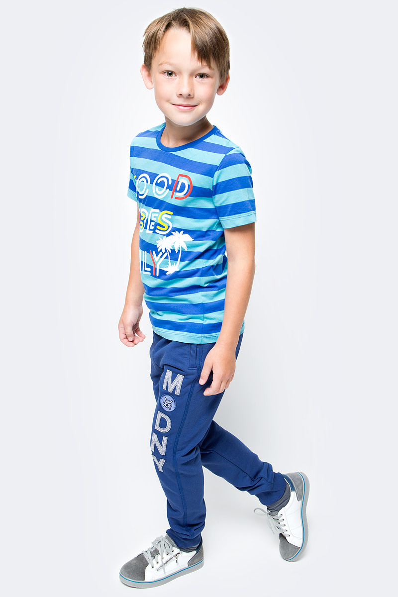 Футболка для мальчика Cherubino, цвет: синий. CSJ 61595. Размер 134CSJ 61595Футболка для мальчика Cherubino изготовлена из натурального хлопка. Модель в полоску оформлена оригинальным принтом.