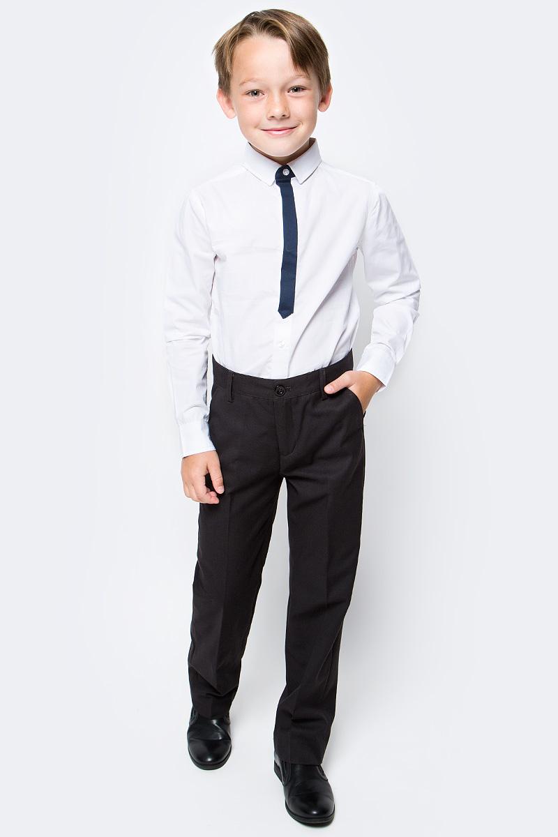 Рубашка для мальчика Acoola Bismuth, цвет: белый. 20100280005_200. Размер 16420100280005_200Рубашка Acoola Bismuth классического кроя из хлопкового поплина, декорированная контрастной вставкой на планке в виде галстука. Модель с классическим отложным воротником и длинными рукавами с манжетами на пуговицах.
