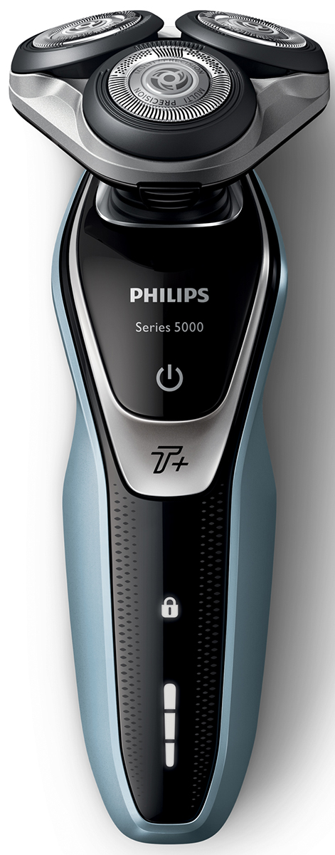 Philips S5530/06 электробритва с насадкой-тримеромS5530/06Бритва Philips S5530/06 обеспечивает освежающее бритье и защищает кожу.Система лезвий MultiPrecision с закругленными краями бритвенных головок легко скользит по коже для бережного и безопасного бритья.Уплотнение Aquatec позволяет выбирать наиболее комфортный способ бритья: быстрое и комфортное сухое бритье или влажное бритье с использованием геля или пены. Вы можете использовать прибор даже в душе.Мощность увеличена на 20 % для более быстрого бритья даже густой бороды.Быстрое и гладкое бритье. Система лезвий MultiPrecision в несколько движений приподнимает и срезает волоски и щетину.Головки Flex двигаются независимо друг от друга в 5 направлениях. Это гарантирует оптимальный контакт с кожей для быстрого и гладкого бритья даже на шее и подбородке.На интуитивно понятном дисплее отображается вся необходимая информация, что позволяет в полной мере использовать все возможности вашей бритвы: трехуровневый индикатор аккумулятора, индикатор очистки, индикатор низкого заряда аккумулятора, индикатор сменной головки, индикатор дорожной блокировки.Один цикл зарядки обеспечивает от 50 минут автономной работы или примерно 17 сеансов бритья. Бритва работает только в беспроводном режиме.Мощный энергоэффективный и долговечный литий-ионный аккумулятор обеспечивает долгое время работы бритвы после каждой зарядки. Быстрой зарядки в течение 5 минут хватает для проведения одного сеанса бритья.Чтобы завершить образ, используйте безопасный для кожи съемный компактный триммер. Он идеально подходит для моделирования усов и подравнивания висков.