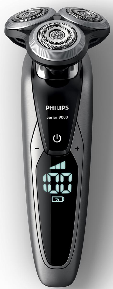 Philips S9711/31 электробритва с системой самоочистки и насадкой-стайлеромS9711/31Запатентованные лезвия V-Track Precision электробритвы Philips S9711/31 аккуратно захватывают и направляют волоски любой длины, а также волоски, прилегающие к коже. Обеспечивает на 30 % более гладкое и быстрое бритье, чтобы ваша кожа всегда выглядела безупречно. Новые гибкие головки вращаются в 8 направлениях, максимально точно повторяя контуры лица и требуя меньше усилий при каждом движении. Головки, двигающиеся независимо от бритвенного элемента, захватывают на 20 % больше волосков и обеспечивают более чистое бритье при меньшем количестве движений.Встроенная система двойных лезвий электрической бритвы Philips S9711/31 приподнимает волоски, сбривая их максимально близко к поверхности кожи, что обеспечивает более чистое бритье. Настройки для комфортного бритья позволяют задать ваши личные предпочтения. Вы можете выбрать один из 3 режимов: бережный для аккуратного и тщательного бритья чувствительной кожи, обычный для тщательного бритья изо дня в день и быстрый, который позволит вам максимально сократить время процедурыУплотнение AquaTec электробритвы позволяет выбирать наиболее комфортный способ бритья: сухое бритье или освежающее влажное бритье с использованием геля или пены для бритья. SmartClean PRO позволяет очищать, смазывать, сушить и заряжать бритву одним нажатием кнопки, что обеспечивает ее оптимальную работу день за днем. Улучшенный пользовательский интерфейс отображает каждый этап цикла SmartClean.Безопасная насадка-стайлер для бороды позволяет создавать самые разнообразные стили: от трехдневной щетины (0,5 мм) до короткой бороды (5 мм). Закругленные края и регулируемый гребень предотвращают раздражение кожи. На интуитивно понятном дисплее Philips S9711/31 отображается вся необходимая информация, что позволяет в полной мере использовать все возможности вашей бритвы: трехуровневый цифровой индикатор аккумулятора (%), индикатор очистки, индикатор низкого заряда аккумулятора, инд