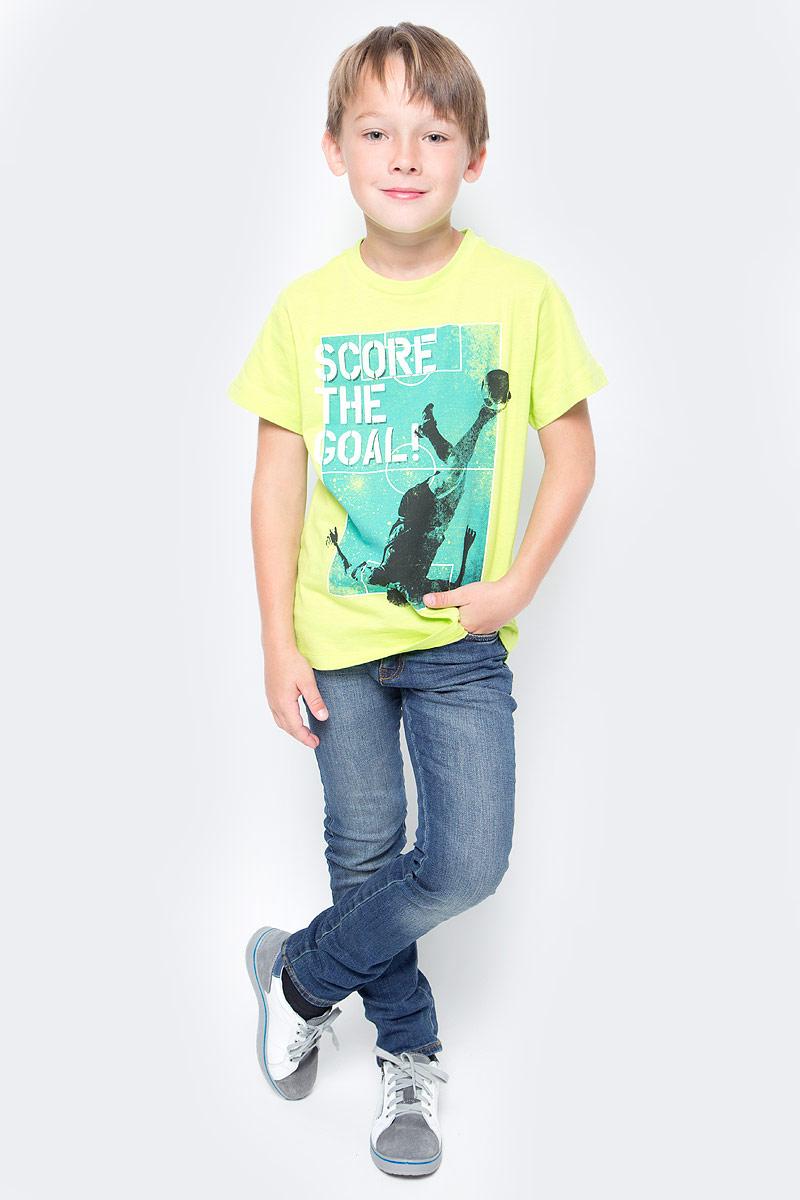 Футболка для мальчика Sela, цвет: зеленый. Ts-811/072-7330. Размер 146Ts-811/072-7330Стильная футболка для мальчика Sela станет отличным дополнением к повседневному гардеробу юного любителя футбола. Модель прямого кроя с короткими рукавами изготовлена из натурального хлопка и оформлена принтом на футбольную тематику. Круглый вырез горловины дополнен мягкой трикотажной резинкой. Модель подойдет для прогулок и дружеских встреч, а универсальный цвет позволит сочетать ее с любой одеждой.