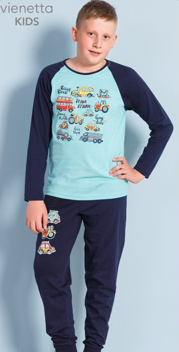 Комплект домашний для мальчика Vienettas Secret Машинки: брюки, лонгслив, цвет: светло-бирюзовый. 703108 0000. Размер 134/140, 3-4 года703108 0000Комплект домашний для мальчика Vienettas Secret изготовлен из натурального хлопка с ярким принтом, состоящий из брюк и лонгслива, идеально подойдет вашему маленькому принцу. Предметы комплекта очень мягкие на ощупь, не раздражают даже самую нежную и чувствительную кожу ребенка и хорошо вентилируются.