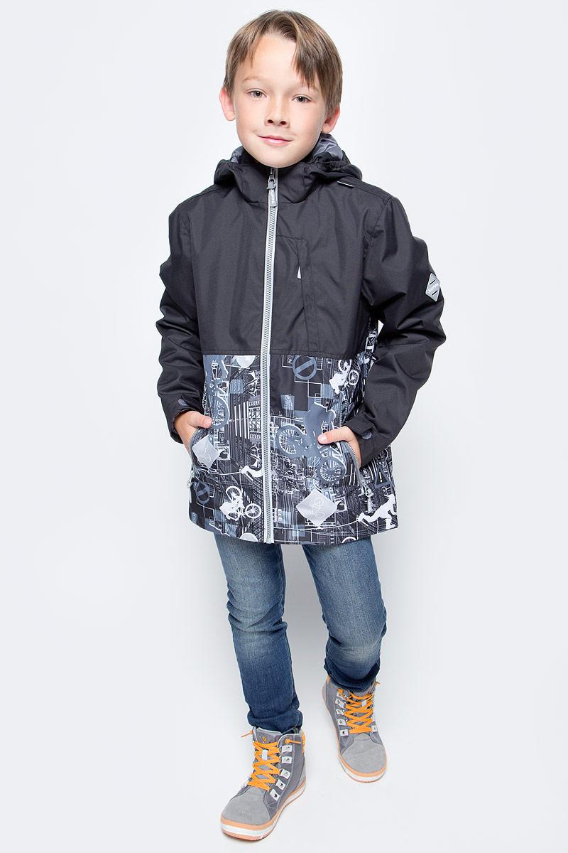 Куртка для мальчика Huppa Trevor, цвет: черный. 17660004-70109. Размер 12817660004-70109Куртка для мальчика Huppa Trevor c длинными рукавами, воротником-стойкой и съемным капюшоном на кнопках и липучках выполнена из высококачественного водонепроницаемого и ветрозащитного материала на основе полиэстера. Наполнитель - синтепон. Модель застегивается на застежку-молнию с защитой подбородка спереди. Изделие имеет два прорезных кармана на застежках-молниях и нагрудный карман на застежке-молнии, дополненный узким клапаном. Манжеты рукавов дополнены хлястиками на липучках. Объем низа куртки регулируется при помощи шнурка-кулиски. Куртка дополнена светоотражающими элементами, все швы проклеены. Модель украшена оригинальным контрастным принтом. Вес наполнителя - 40 г.