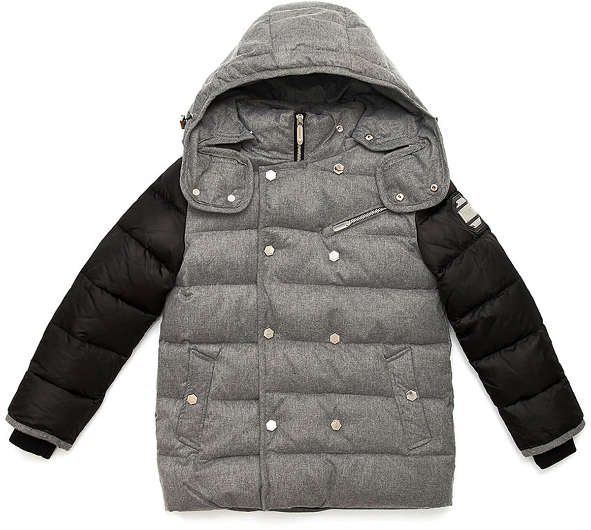 Куртка для мальчика Vitacci, цвет: серый, черный. 1171486-03. Размер 1301171486-03Удлиненная куртка для мальчика Vitacci, изготовленная из полиэстера, станет стильнымдополнением к детскому гардеробу.Подкладка выполнена из полиэстера и дополнительно утеплена флисом по спинке. В качестве наполнителя используется биопух.Температурный режим от -5°С до -20°С.Теплая, удобная и практичная куртка идеально подойдет юному моднику для прогулок!