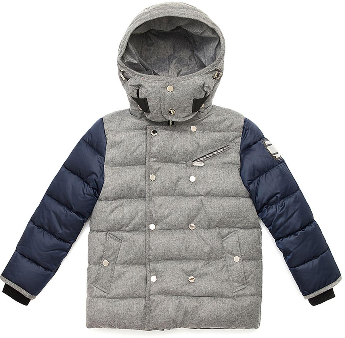 Куртка для мальчика Vitacci, цвет: серый, синий. 1171486-04. Размер 1501171486-04Удлиненная куртка для мальчика Vitacci, изготовленная из полиэстера, станет стильнымдополнением к детскому гардеробу.Подкладка выполнена из полиэстера и дополнительно утеплена флисом по спинке. В качестве наполнителя используется биопух.Температурный режим от -5°С до -20°С.Теплая, удобная и практичная куртка идеально подойдет юному моднику для прогулок!