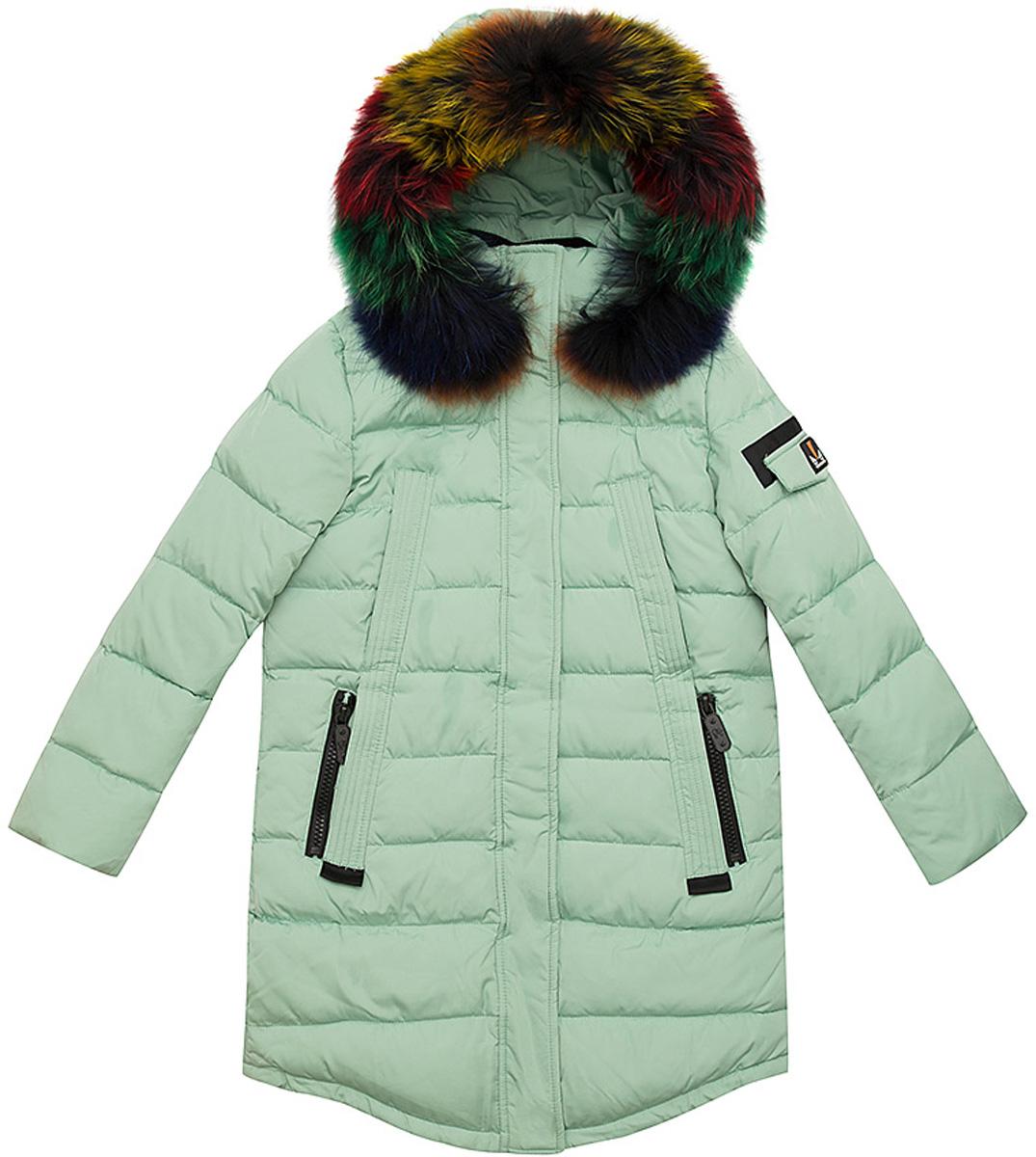 Куртка для девочки Vitacci, цвет: зеленый. 2171457-06. Размер 1402171457-06Удлиненная куртка для девочки Vitacci, изготовленная из полиэстера, станет стильнымдополнением к детскому гардеробу.Подкладка выполнена из полиэстера и дополнительно утеплена флисом по спинке. В качестве утеплителя используется биопух.Модель застегивается на пластиковую застежку-молнию. Имеет ветрозащитную планку и съемный капюшон с отделкой из натурального разноцветного меха.Температурный режим от -10 до -25 градусов.Теплая, удобная и практичная куртка идеально подойдет юной моднице для прогулок!