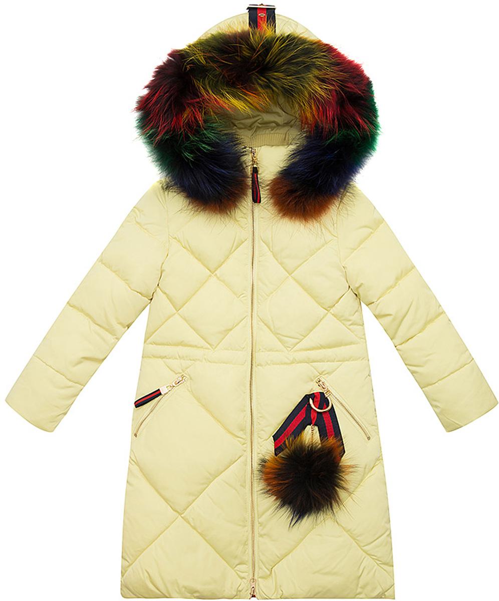 Куртка для девочки Vitacci, цвет: лимонный. 2171464-45. Размер 1342171464-45Удлиненная куртка-пальто для девочки Vitacci, изготовленная из полиэстера, станет стильнымдополнением к детскому гардеробу.Подкладка выполнена из полиэстера и дополнительно утеплена флисом по спинке. В качестве утеплителя используется биопух.Модель застегивается на застежку-молнию и имеет съемный капюшон с отделкой из натурального разноцветного меха. Спереди расположены два кармана на молнии (один из них украшает отстегивающийся меховой помпон).Температурный режим от -10°С до -25°С.Теплая, удобная и практичная куртка идеально подойдет юной моднице для прогулок!