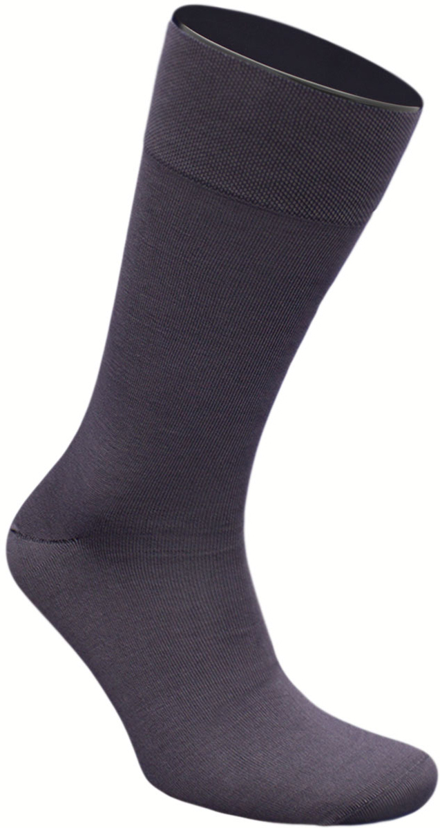 Носки мужские Гранд, цвет: темно-серый, 2 пары. ZCmr149. Размер 27ZCmr149Элитные мужские носки из мерсеризованного хлопка: - бесшовная технология (кеттельный, плоский шов); - хорошо держат форму; - обладают повышенной воздухопроницаемостью; - не линяют после многочисленных стирок; - имеют оптимальную высоту паголенка; - мягкая анатомическая резинка; - усилены пятка и мысок. Носки произведены по европейским стандартам на современных итальянских вязальных автоматах «BUSI GIOVANNI».В комплект входят две пары носок.