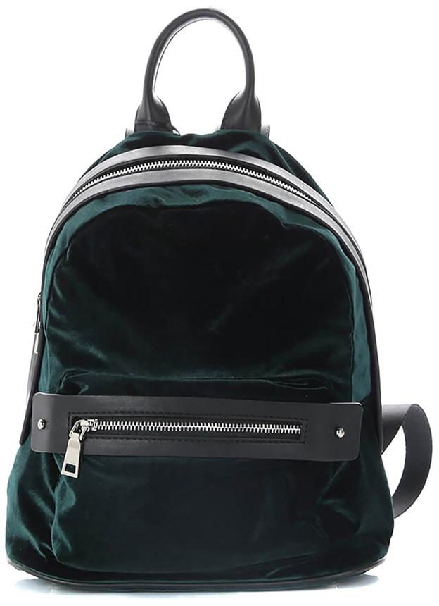 Рюкзак женский Vitacci, цвет: зеленый. Y0140Y0140Женский рюкзак Vitacci выполнен из бархата и искусственной кожи. Рюкзак застегивается на двухходовую молнию, внутри один карман на молнии и два без застежки, внешний карман на молнии.Роскошный рюкзак займет достойное место среди вашей коллекции аксессуаров.Размер: 27 х 31 см.