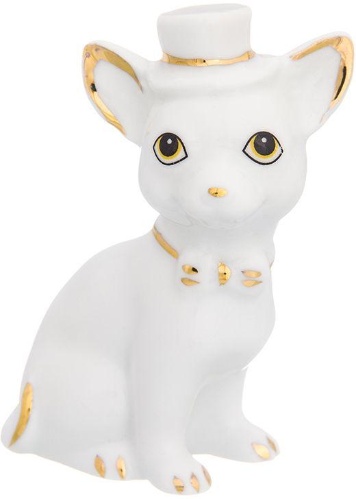 Фигурка декоративная Elan Gallery Чихуахуа в шляпе, 6 x 3,5 x 8 см. 330693330693Декоративная фигурка Чихуахуа в шляпе станет прекрасным дополнением вашего интерьера, а также отличным подарком в наступающем 2018 году, символом которого является по восточному (китайскому) календарю - Желтая Земляная Собака, которая весь год будет на страже вашего благополучия.