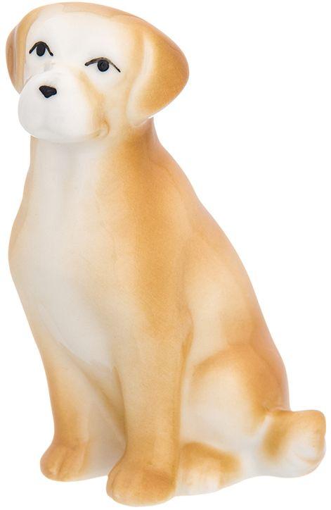 Фигурка декоративная Elan Gallery Лабрадор, 6 x 4,3 x 7,5 см. 330738330738Декоративная фигурка Лабрадор, выполненная из фарфора, станет прекрасным дополнением вашего интерьера, а также отличным подарком в наступающем 2018 году, символом которого является по восточному (китайскому) календарю - Желтая Земляная Собака, которая весь год будет на страже вашего благополучия.
