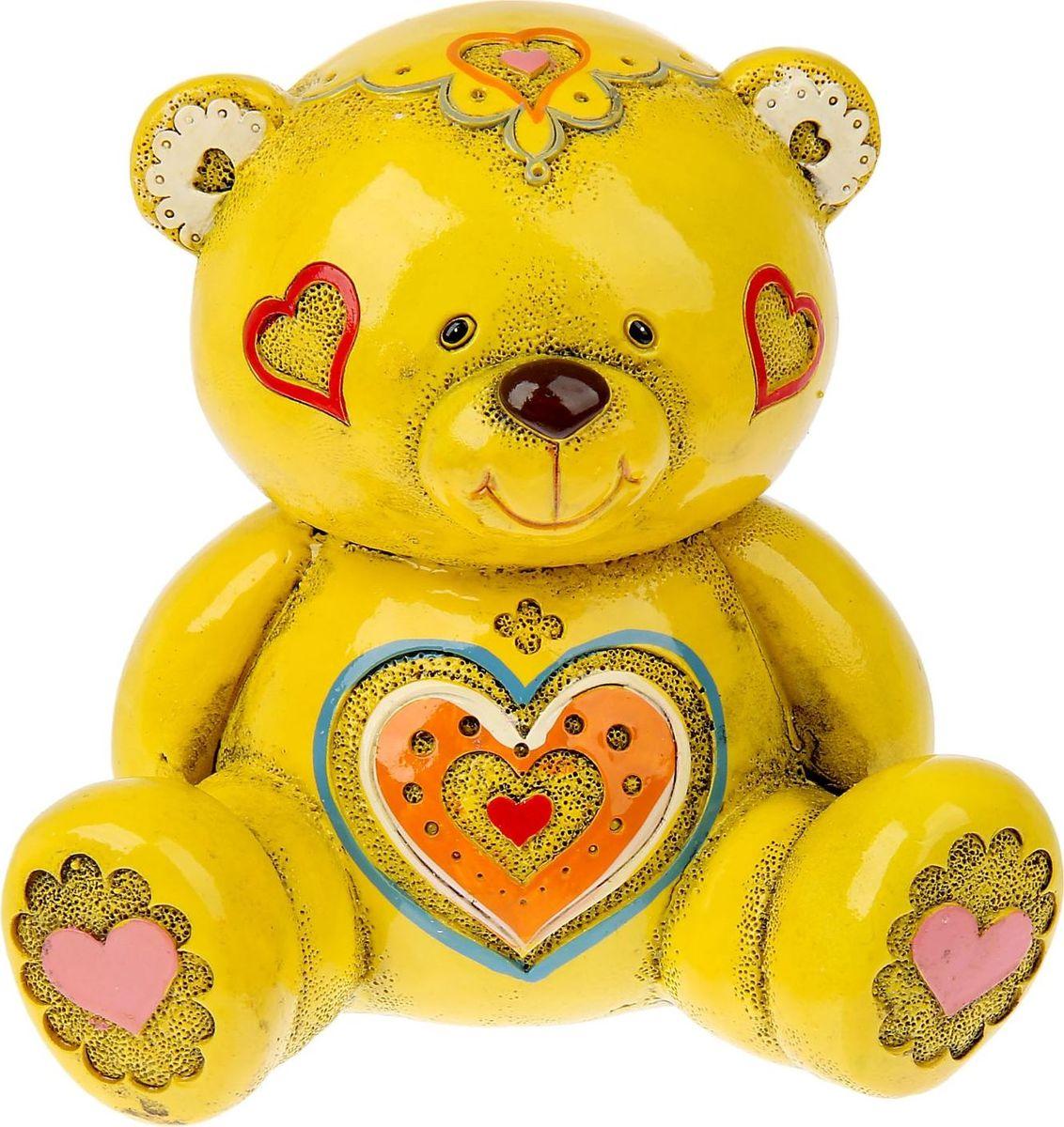Копилка Мишка узорный желтый, 9,5 х 12,5 х 11 см865506Копилка Мишка узорный желтый станет подходящим подарком на 14 февраля, годовщину или значимую для вас дату. Копилка Мишка узорный жёлтый будет бережно хранить каждую монетку, которая попадет в ее хранилище.Копилка является многоразовой, что позволит вам воспользоваться накопленными деньгами в любой момент.