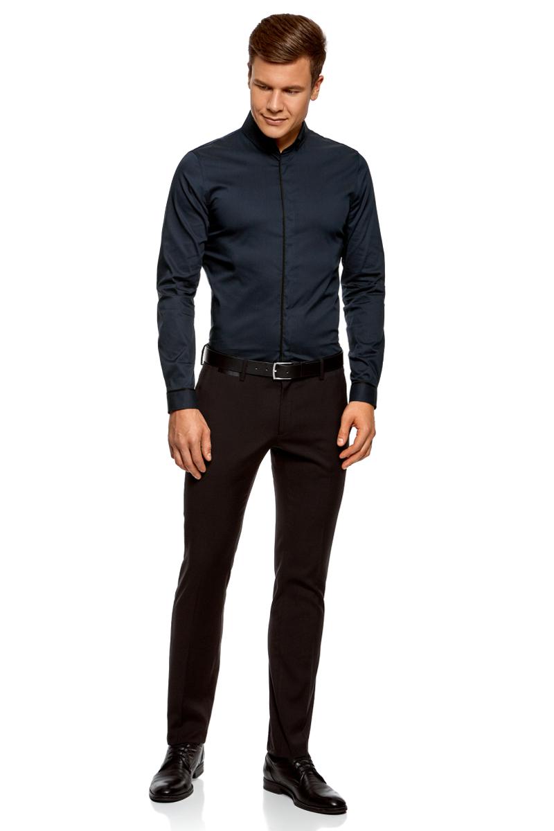 Рубашка мужская oodji Basic, цвет: темно-синий. 3B140005M/34146N/7929B. Размер 38-182 (44-182)3B140005M/34146N/7929BМужская рубашка oodji с длинными рукавами изготовлена из качественной смесовой ткани. Рубашка застегивается на пуговицы в планке, манжеты рукавов дополнены застежками-пуговицами.