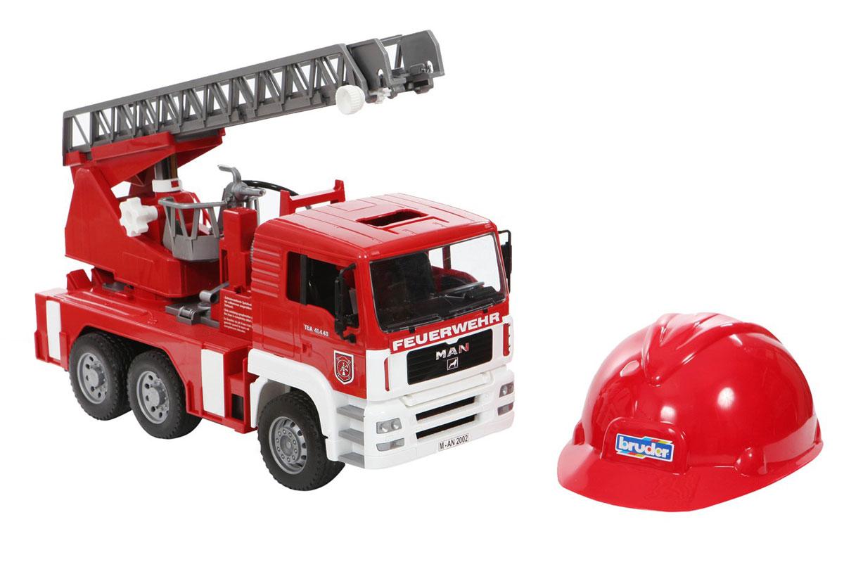 Bruder Пожарная машина MAN с лестницей + каска bruder пожарная машина mack