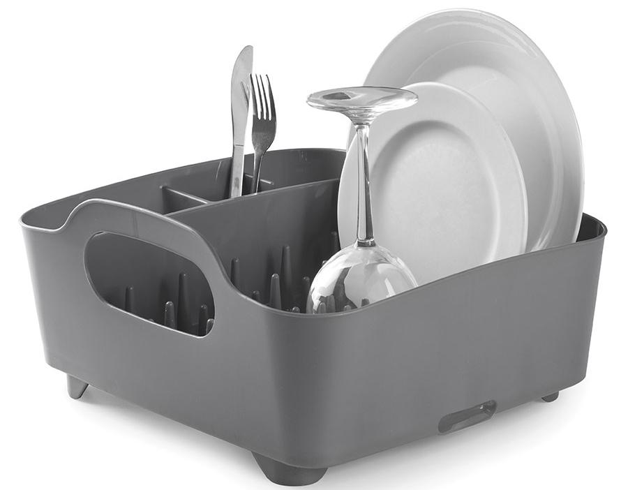 Сушилка для посуды и столовых приборов Umbra Tub, цвет: темно-серый, 9,1 х 38,1 х 35,6 см330590-149Мобильная сушилка для посуды состоит из пяти отделений: широкого — для сушки тарелок, чашек и сотейников и четыре маленьких для столовых приборов и аксессуаров. Выступы разной высоты на дне сушилки позволяют аккуратно расставить посуду. Это очень важный инструмент, так как Tub можно использовать и для компактного хранения. Благодаря ножкам и отверстию для слива, вода не будетзастаиваться, что предотвратит появление неприятного запаха.Сочетается с другими аксессуарами для кухни в новой цветовой палитре: диспенсером Joey и органайзером Saddle.Дизайнер David Green