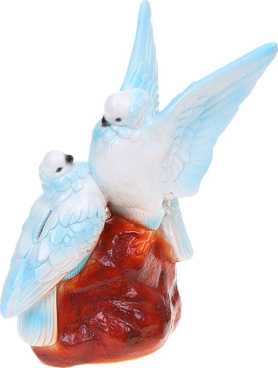 Копилка Premium Gips Голуби, 23 х 18 х 36 см1074064Если вы стремитесь приумножить свои доходы, поместите копилку с пернатым товарищем в спальню. Складывайте в неё монетки любого достоинства, и будете приятно удивлены накопленной суммой.Птицы являются олицетворением полёта души, любви, счастья, а также вдохновляют на развитие, процветание и оптимизм. Обращаем ваше внимание, что копилка является одноразовой.