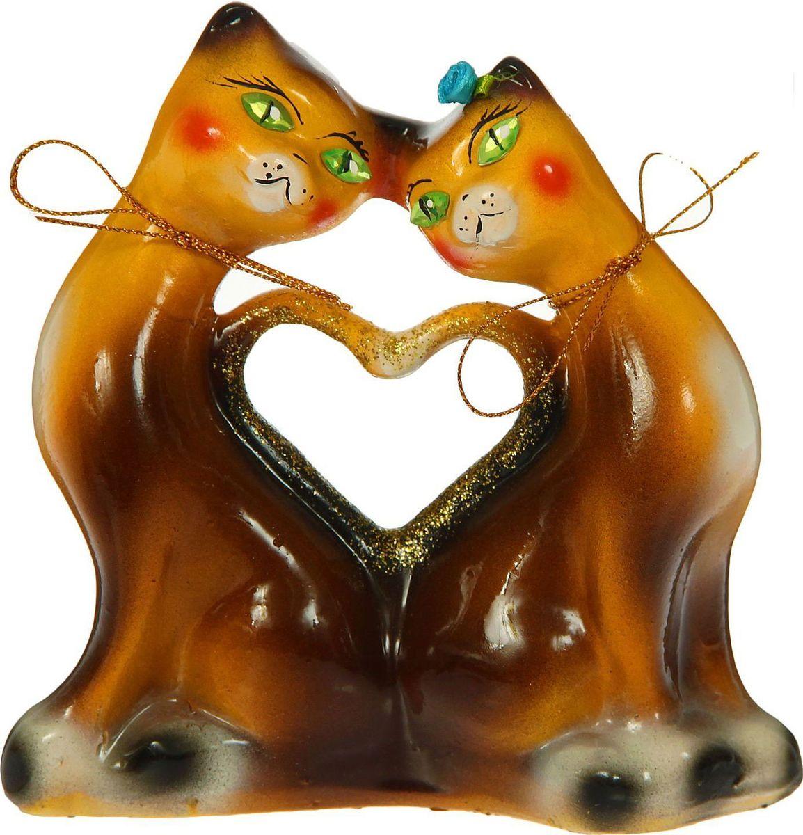 Копилка Керамика ручной работы Котики с сердцем, 6 х 16 х 16 см1354752Копилка — универсальный вариант подарка любому человеку, ведь каждый из нас мечтает о какой-то дорогостоящей вещи и откладывает или собирается откладывать деньги на её приобретение. Вместительная копилка станет прекрасным хранителем сбережений и украшением интерьера. Она выглядит так ярко и эффектно, что проходя мимо, обязательно захочется забросить пару монет. Обращаем ваше внимание, что копилка является одноразовой.