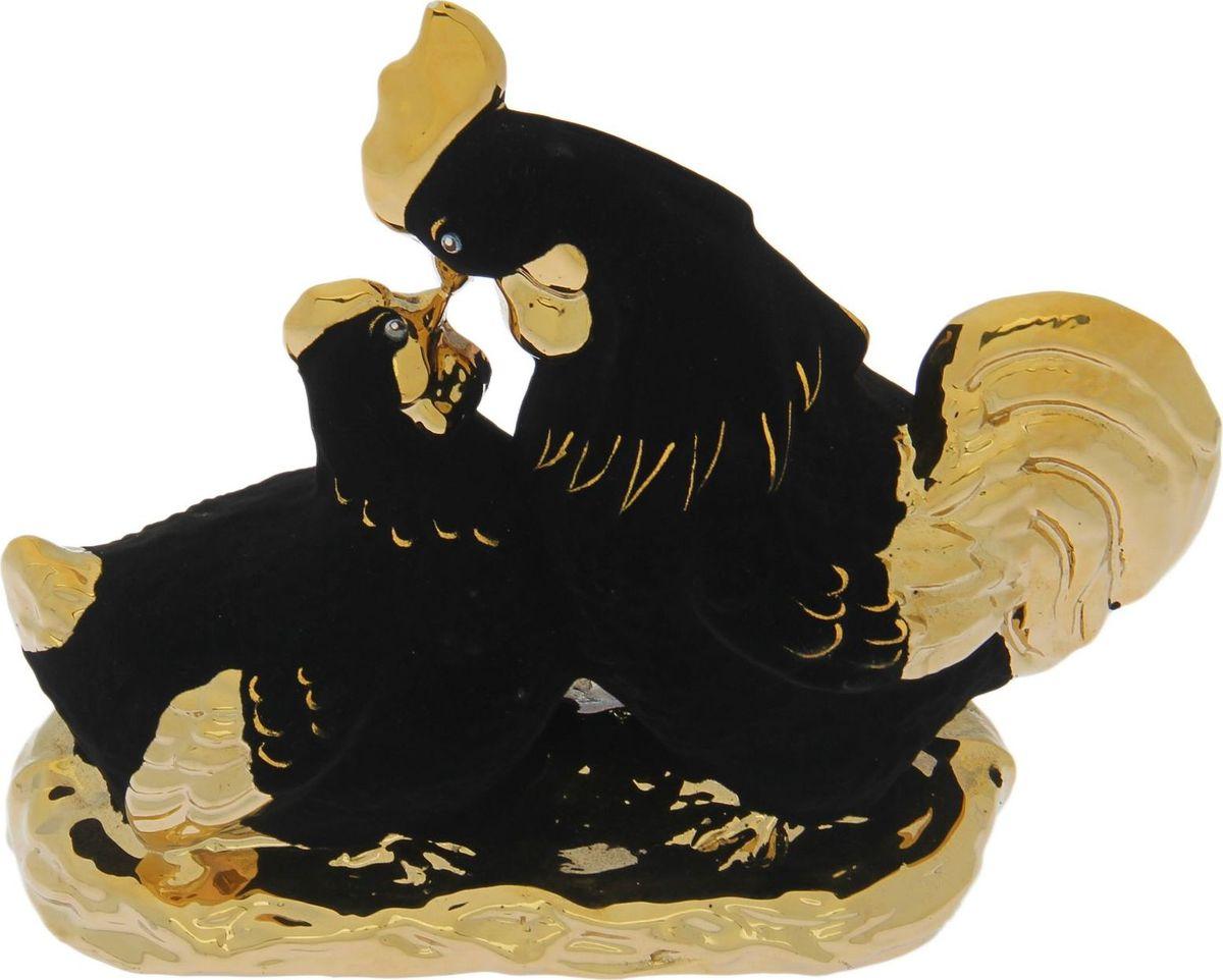Копилка Керамика ручной работы Петух и курица целующиеся, 29 х 13 х 23 см1581Копилку с символом петуха стоит поставить дома или подарить близким людям, чтобы в дальнейшем сопутствовала удача, а доходы приумножались. Складывайте в неё монетки любого достоинства, и будете приятно удивлены накопленной суммой. Обращаем ваше внимание, что копилка является одноразовой.