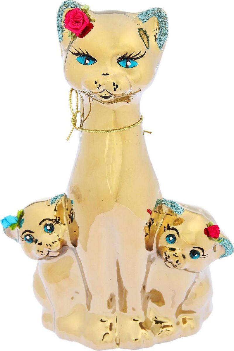 Копилка Керамика ручной работы Кошка с котятами, 13 х 15 х 28 см1654826Копилка — универсальный вариант подарка любому человеку, ведь каждый из нас мечтает о какой-то дорогостоящей вещи и откладывает или собирается откладывать деньги на её приобретение. Вместительная копилка станет прекрасным хранителем сбережений и украшением интерьера. Она выглядит так ярко и эффектно, что проходя мимо, обязательно захочется забросить пару монет. Обращаем ваше внимание, что копилка является одноразовой.