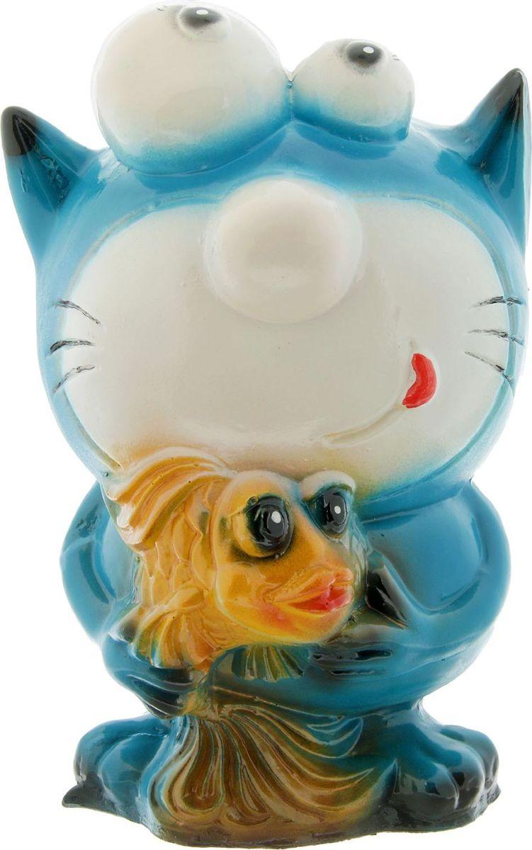 Копилка Кот с рыбкой, 28 х 15 х 15 см1969323Такая яркая и оригинальная копилка не только сохранит ваши сбережения, но и привнесет в ваш интерьер яркие и веселые нотки из детства. Представьте, когда она будет уже полной, то вам не захочется ее разбивать по старинке, и чтобы этого не делать, вы найдете специальное отверстие для извлечения ваших сокровищ. С такой копилкой ваши денежки будут только приумножаться, ведь ни дня не захочется пропустить, не бросив туда хотя бы одну монетку. Поэтому ваши мечты, на которые вы копили, будут исполняться намного быстрей. Обращаем ваше внимание, что копилка является одноразовой.