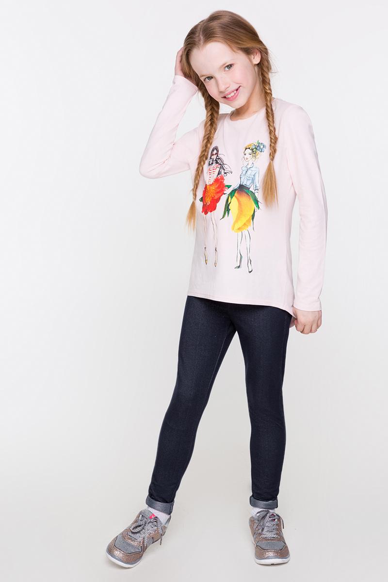 Футболка с длинным рукавом для девочки Acoola Yen, цвет: светло-розовый. 20210100126. Размер 15820210100126/20220100111Трикотажная футболка с длинным рукавом от Acoola приталенного силуэта декорирована ярким принтом спереди. Модель с круглым вырезом горловины, удлиненной спинкой с закругленным низом и небольшим разрезом.