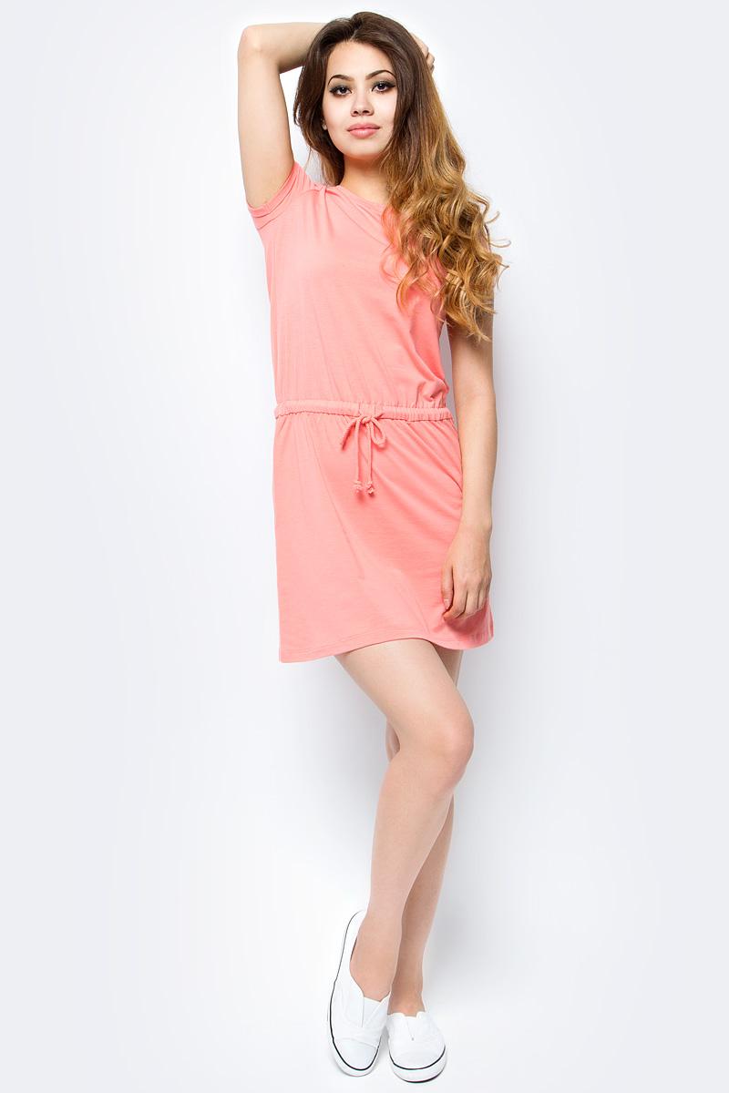 Платье Sela, цвет: бледно-оранжевый. Dks-117/1132-7234. Размер XL (50)Dks-117/1132-7234Женское платье Sela выполнено из качественного легкого материала в спортивном стиле. Модель прямого кроя с короткими рукавами подойдет для прогулок и дружеских встреч и станет отличным дополнением гардероба. Линию талии подчеркивает вшитый пояс на кулиске. Мягкая ткань на основе полиэстера, хлопка и эластана комфортна и приятна на ощупь и хорошо тянется.