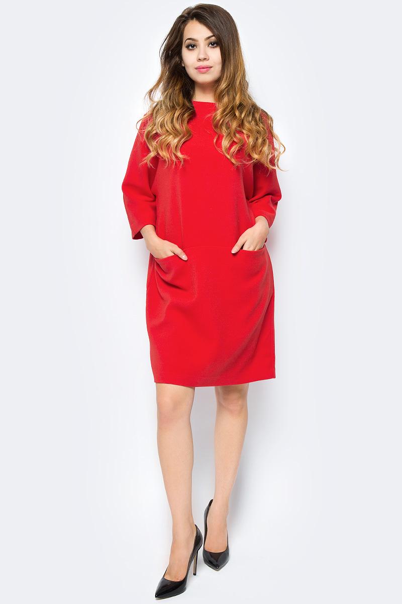Платье Selected Femme, цвет: красный. 16053893. Размер 36 (42)16053893_Flame ScarletСтильное женское платье из качественного плотного материала на подкладке. Модель с круглым вырезом горловины и цельнокроеными рукавами на спинке застегивается на оригинальные металлические пуговицы. Спереди платье дополнено двумя втачными карманами.