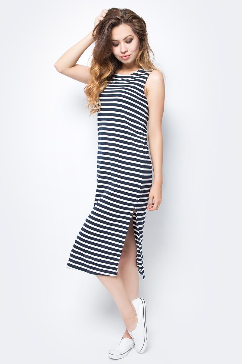 Платье Sela, цвет: темно-синий. Dksl-117/114-7253. Размер M (46)Dksl-117/114-7253Лаконичное женское платье без рукавов Sela выполнено из качественного трикотажа и оформлено принтом в полоску. Модель прямого кроя средней длины с разрезами по бокам подойдет для прогулок и дружеских встреч и станет отличным дополнением гардероба. Мягкая ткань на основе полиэстера и вискозы комфортна и приятна на ощупь.