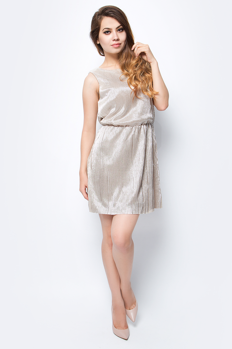 Платье Only, цвет: бежево-серебристый. 15135047_Pumice Stone. Размер 36 (42)15135047_Pumice StoneСтильное платье с металлизированным эффектом Only подчеркнет ваш стиль и поможет создать оригинальный женственный образ. Модель без рукавов имеет длину мини и круглый вырез горловины. Резинка на талии обеспечивает комфортную посадку.