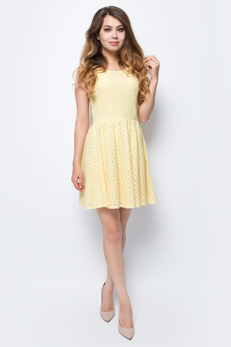 Платье женское Only, цвет: желтый. 15114482_Pale Banana. Размер 38 (44)15114482_Pale BananaСтильное платье Only, выполненное из высококачественного материала, прекрасный вариант для модных женщин, желающих подчеркнуть свою индивидуальность и хороший вкус. Модель без рукавов, с круглым вырезом горловины и открытой спиной сзади застегивается на две пуговице.Красивое и необычное платье сделает вас неотразимой и потрясающей.