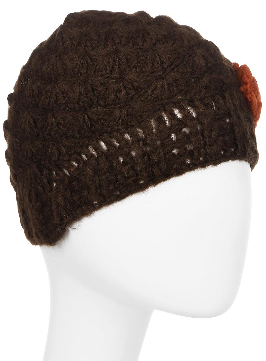Шапка женская Sabellino, цвет: шоколад. 96Ш1А_106. Размер универсальный96Ш1А_106Женская шапка Sabellino выполнена в стиле хенд-мейд из шерсти и акрила. Модель изготовлена крупной узорной вязкой и декорирована вязаным цветком контрастного цвета. Легкая, и в то же время теплая, отлично садится и не сдавливает голову.