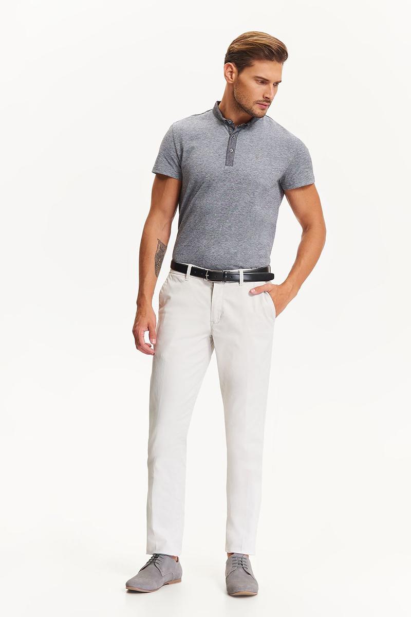Брюки мужские Top Secret, цвет: светло-серый. SSP2590SZ. Размер 34 (50)SSP2590SZСтильные мужские брюки Top Secret - брюки высочайшего качества на каждый день, которые прекрасно сидят. Модель изготовлена из высококачественного полиэстера и эластана. Застегиваются брюки на пуговицу в поясе и ширинку на молнии, имеются шлевки для ремня. Модель дополнена двумя боковыми карманами и сзади - двумя прорезными карманами. Эти модные и в тоже время комфортные брюки послужат отличным дополнением к вашему гардеробу. В них вы всегда будете чувствовать себя уютно и комфортно.