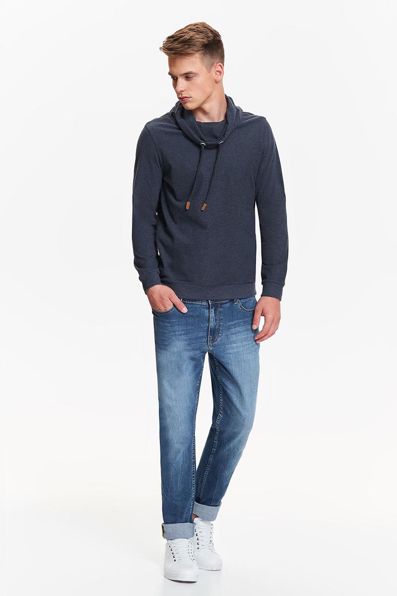 Джинсы мужские Top Secret, цвет: синий. SSP2635NI. Размер 30-32 (46-32)SSP2635NIСтильные мужские джинсы Top Secret - джинсы великолепного качества на каждый день, которые прекрасно сидят. Модель прямого кроя и средней посадки изготовлена из высококачественного хлопка с небольшим добавлением эластана. Застегиваются джинсы на пуговицу в поясе и ширинку на застежке-молнии, имеются шлевки для ремня. Спереди модель оформлены двумя втачными карманами и одним небольшим секретным кармашком, а сзади - двумя накладными карманами. Джинсы оформлены легким эффектом потертости. Эти модные и в тоже время комфортные джинсы послужат отличным дополнением к вашему гардеробу. В них вы всегда будете чувствовать себя уверенно и комфортно.