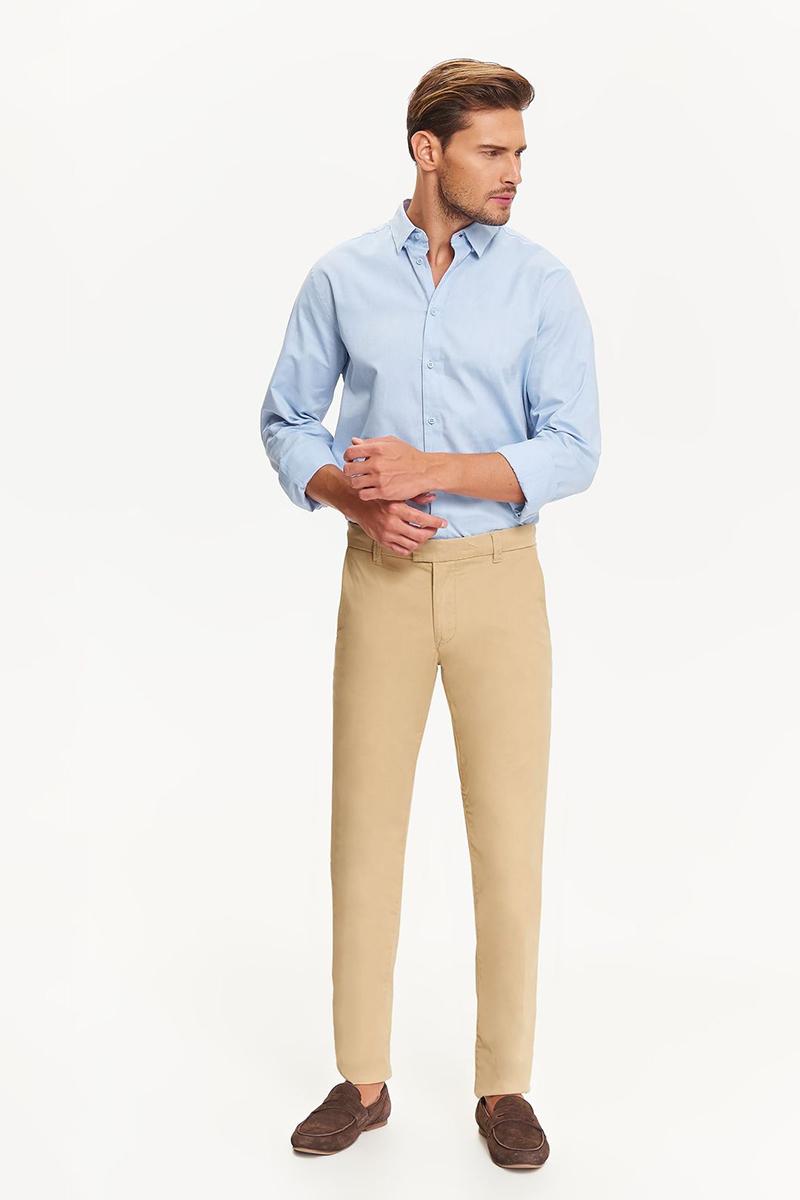 Рубашка мужская Top Secret, цвет: голубой. SKL2393BL. Размер 40/41 (48)SKL2393BLРубашка мужская Top Secret выполнена из 100% хлопка. Модель с отложным воротником и длинными рукавами застегивается на пуговицы. Такая рубашка займет достойное место в вашем гардеробе.